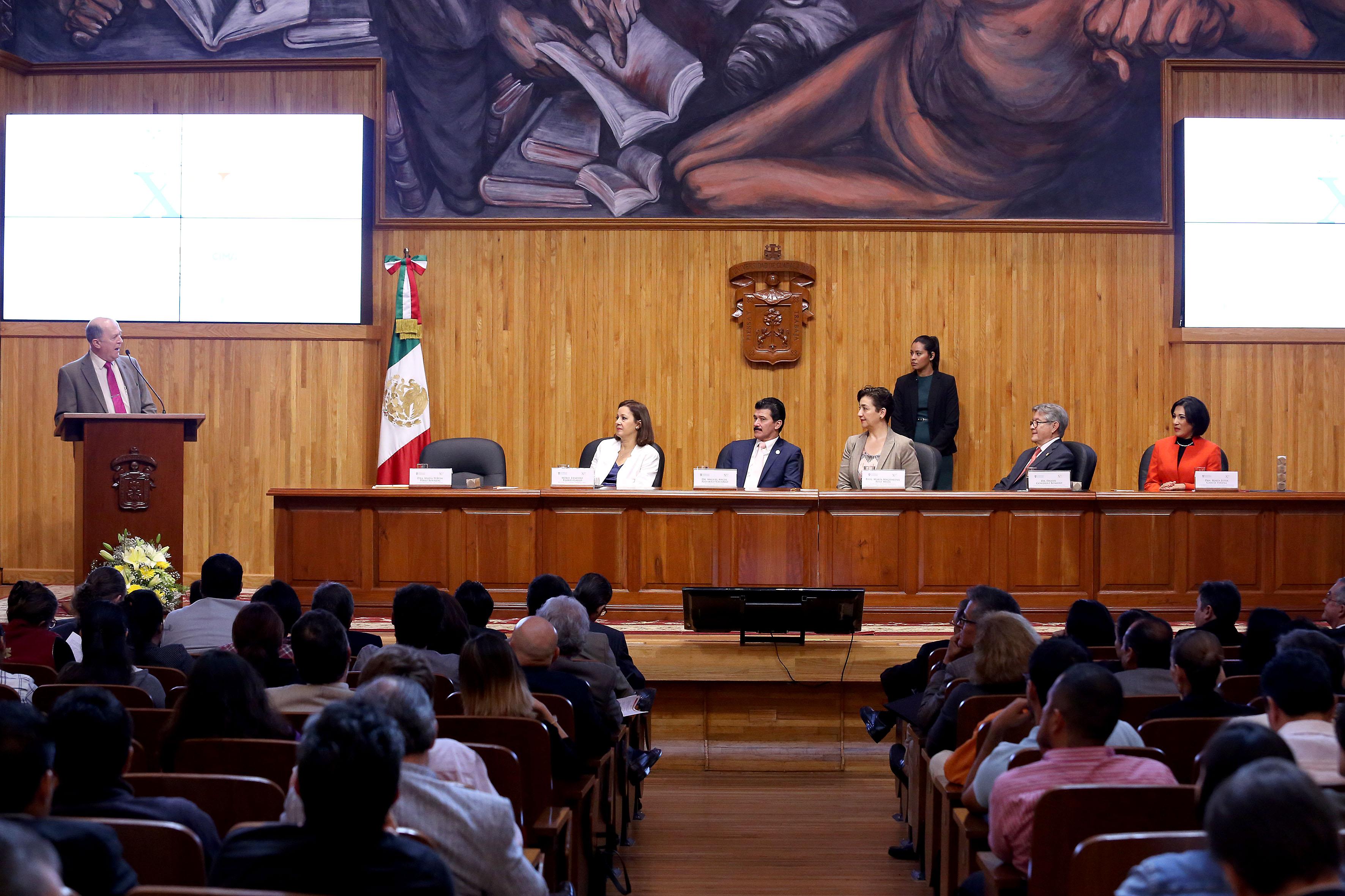 Paraninfo Enrique Díaz de León se celebraron los 15 años del doctorado en Ciudad, Territorio y Sustentabilidad y de la maestría en Procesos y Expresión Gráfica en la Proyectación Arquitectónica-Urbana, del Centro Universitario de Arte, Arquitectura y Diseño (CUAAD), de la Universidad de Guadalajara (UdeG)