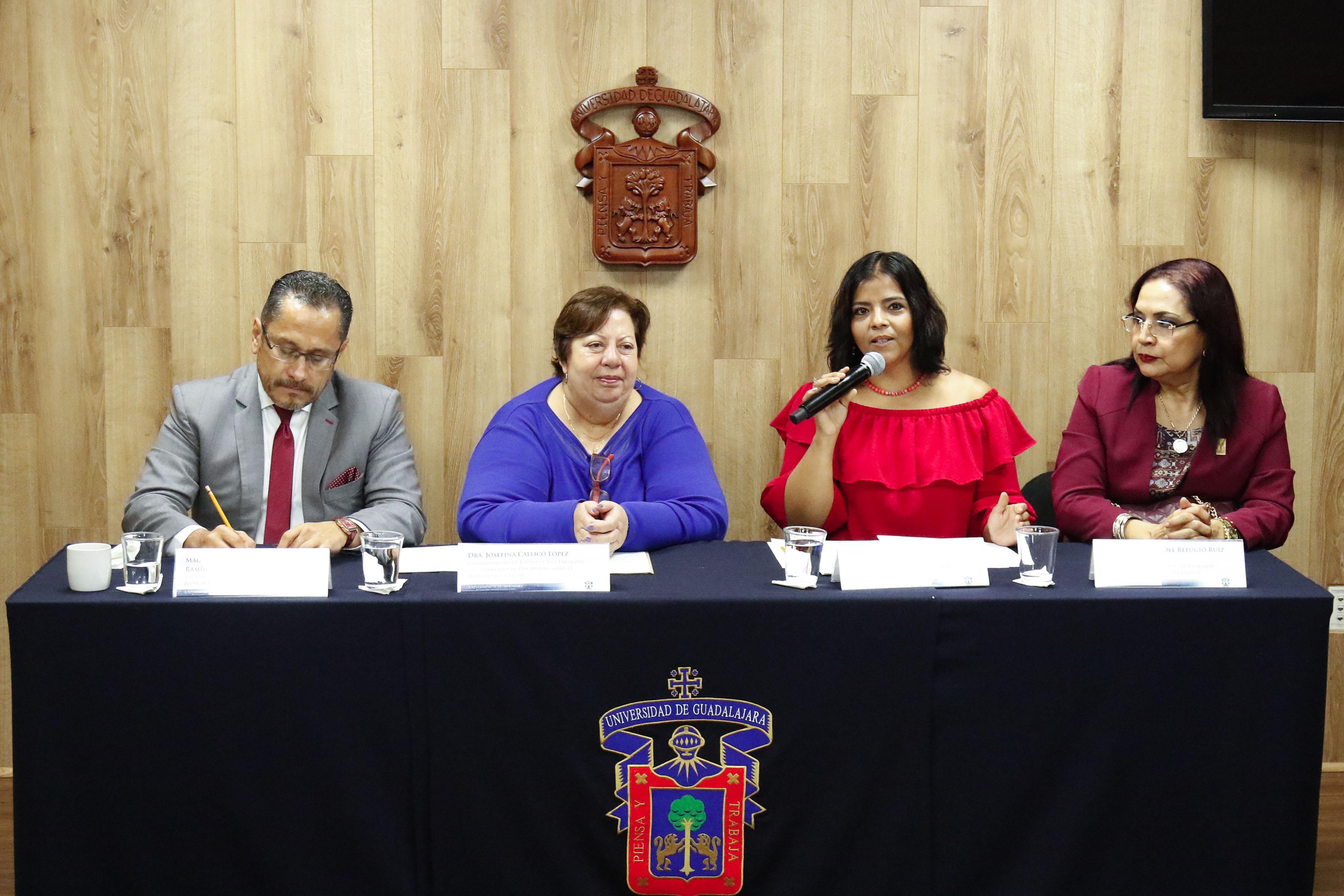 Rueda de prensa para anunciar el foro para analizar la violencia en Jalisco y el involucramiento de los jóvenes en actividades criminales en el  CUCSH