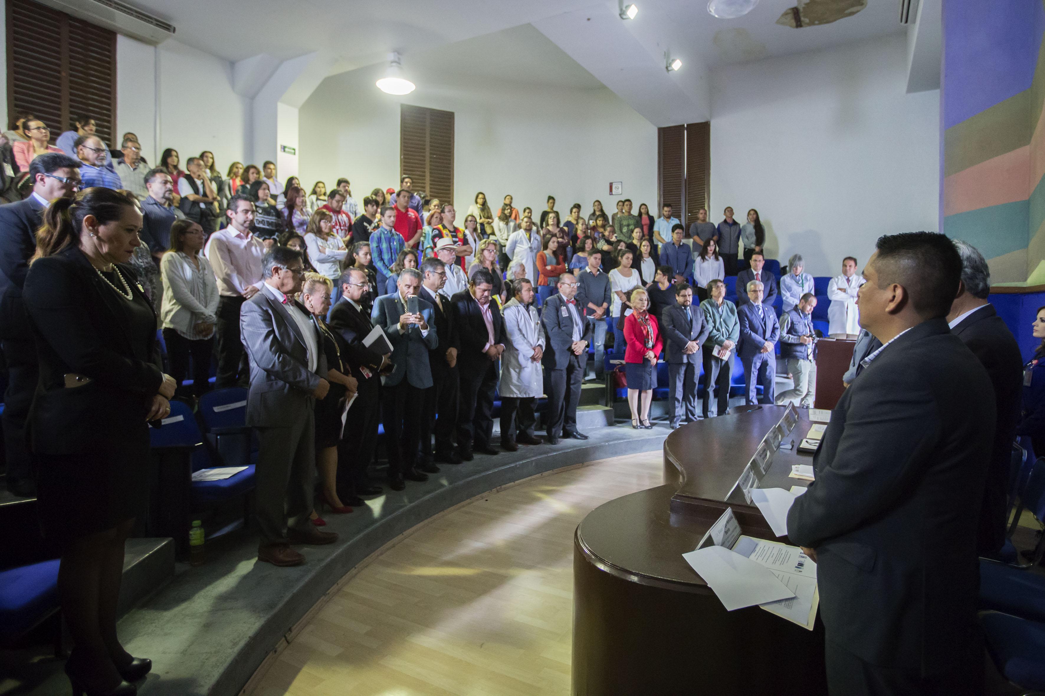 Inauguración del Segundo Simposio Interinstitucional, con motivo del Día Mundial del Alzheimer, en la Antigua Escuela de Medicina.