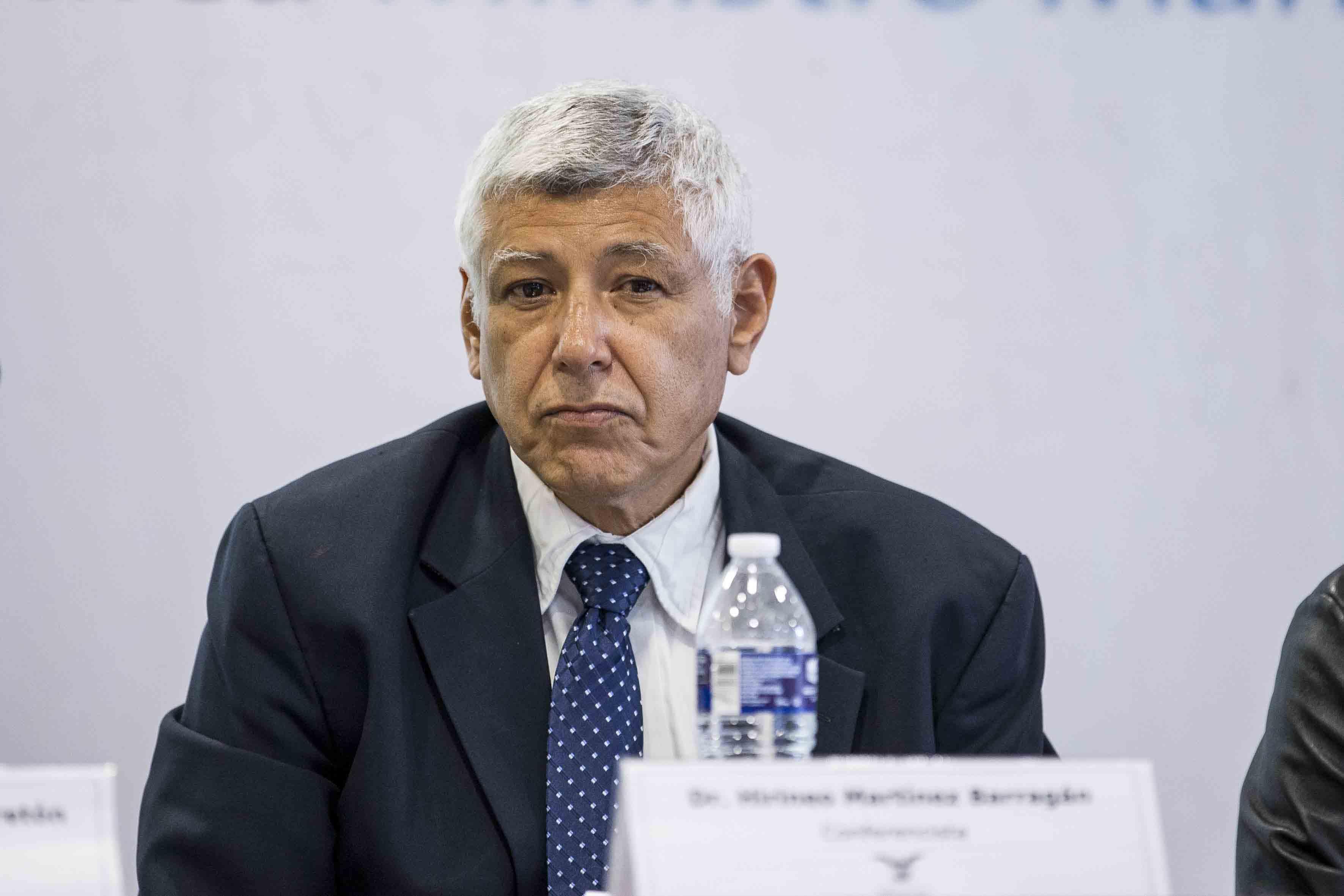 Dr.  Hirineo Martínez Barragán, secretario académico del Centro Universitario de la Costa Sur.