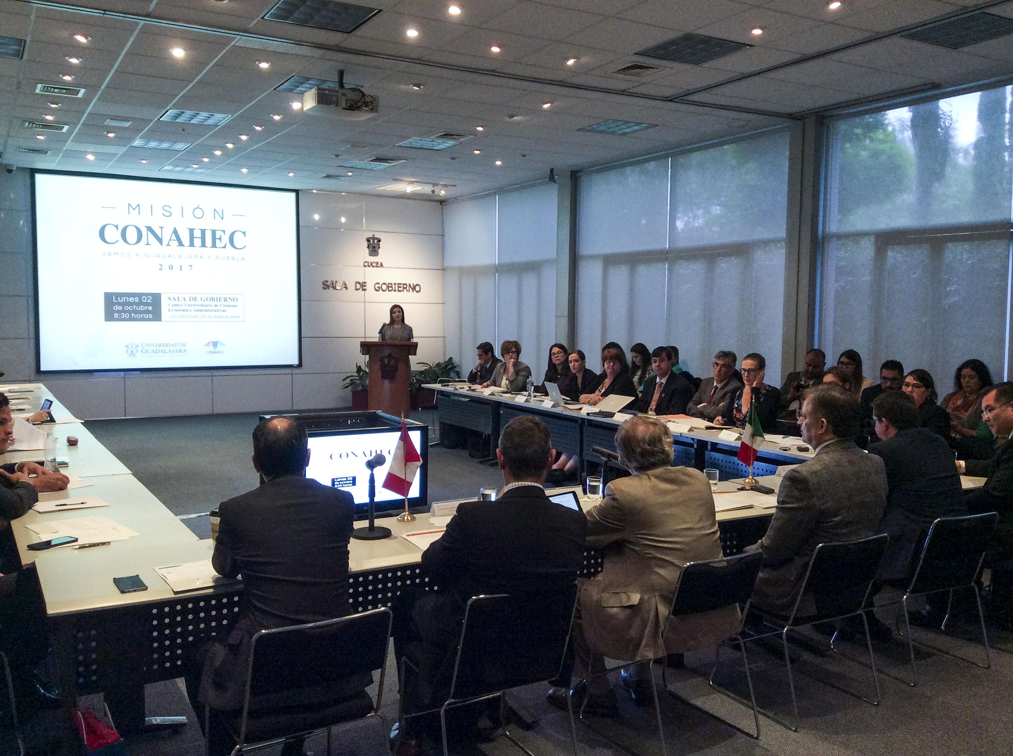 Universidades de Canadá y Jalisco, se reunieron en el Centro Universitario de Ciencias Económico Administrativas (CUCEA) representantes de escuelas que conforman el Consortium for North American Higher Education Collaboration (Conahec), con autoridades de la Universidad de Guadalajara (UdeG) y otras instituciones educativas de Jalisco.
