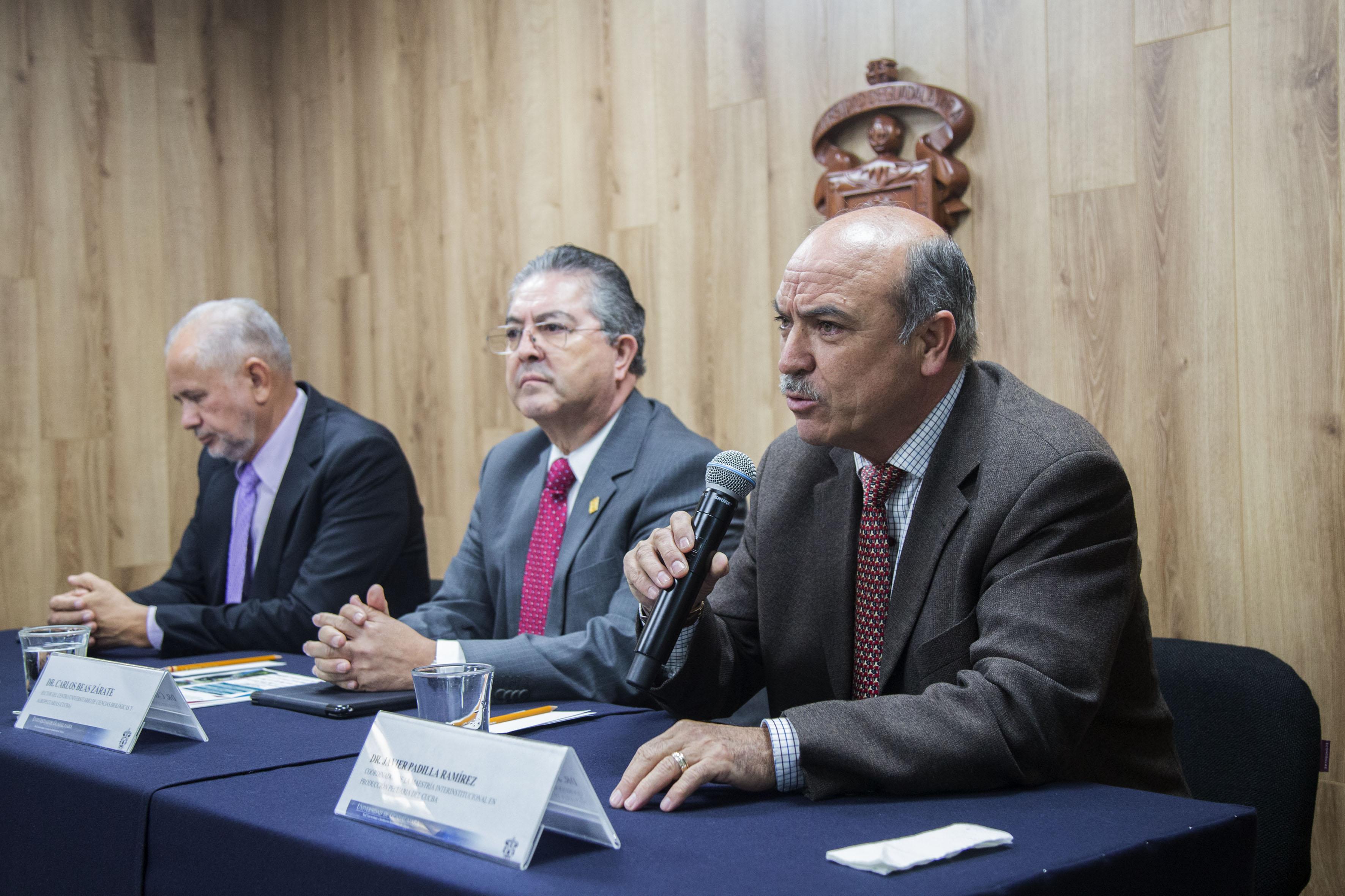 Conferencia de prensa convocada por el Centro Universitario de Ciencias Biológicas y Agropecuarias, para abordar los efectos del cambio climático en México.