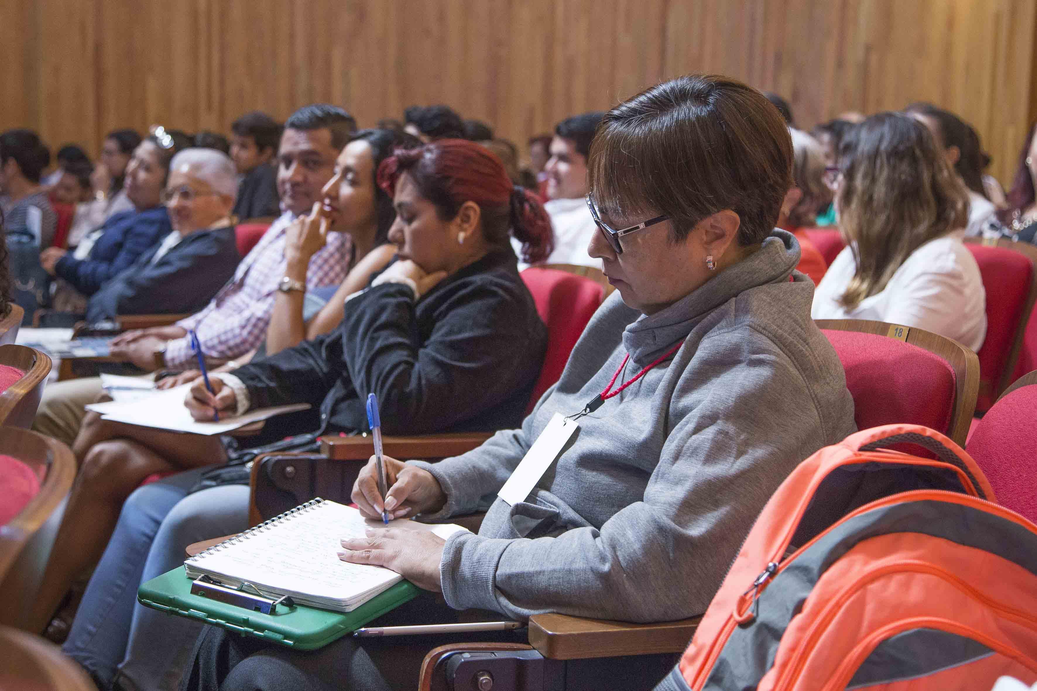 Publico asistente a la clausura del II Congreso de Responsabilidad Médica