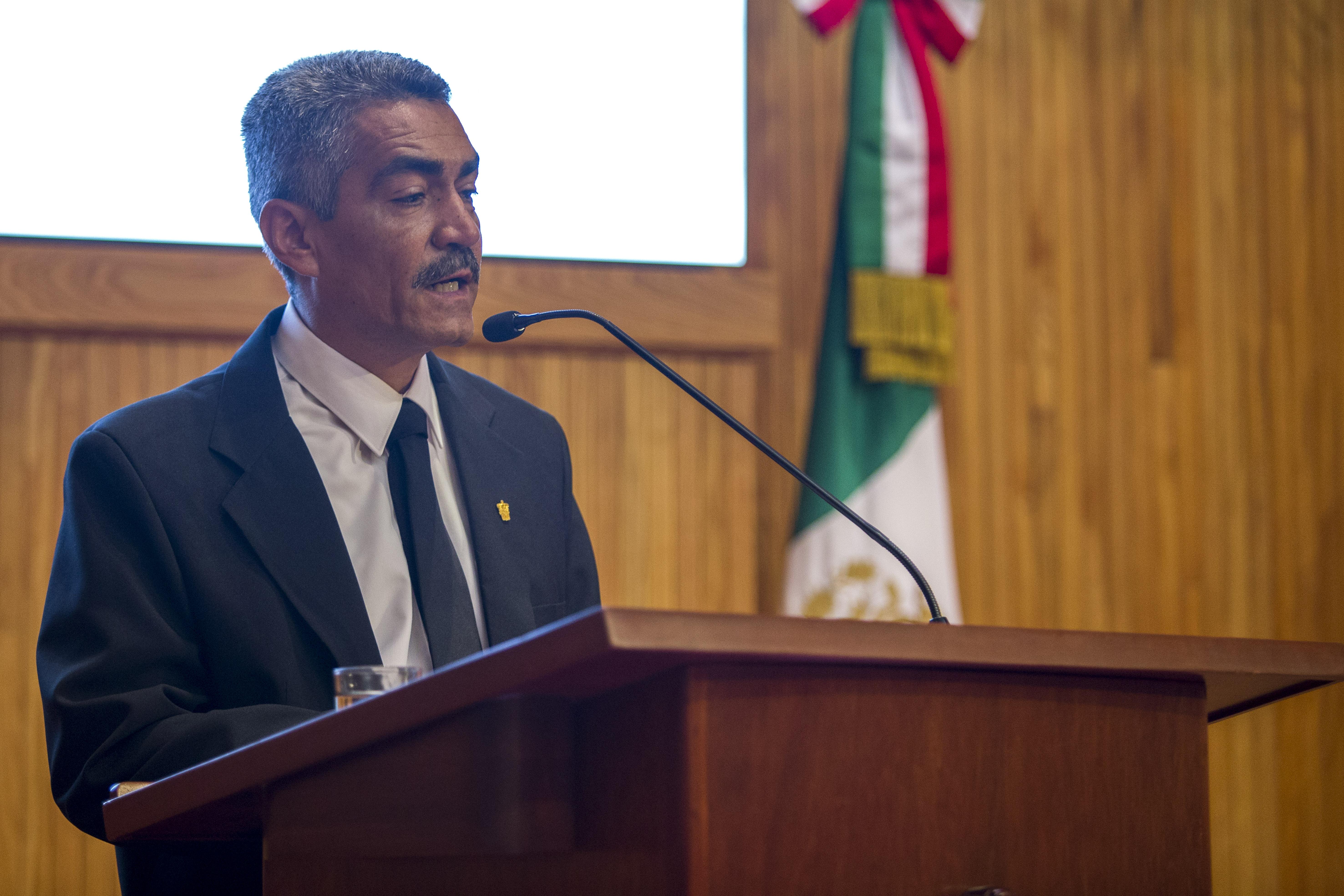 doctor Ramón Rodríguez Macías, secretario académico del CUCBA, al declarar inaugurada la Cátedra Cumex