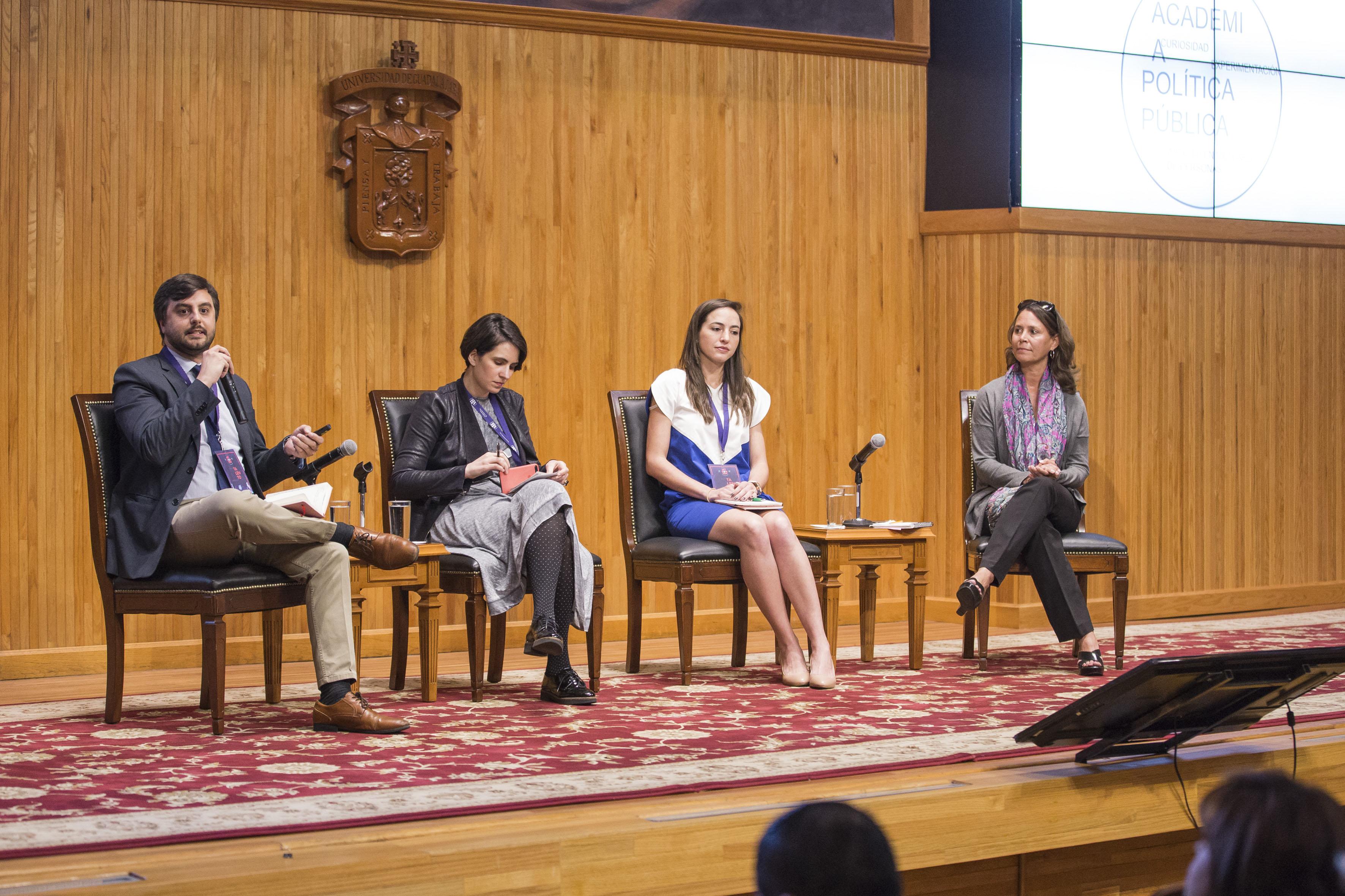 Panelistas participando  en la inauguración del III Encuentro Latinoamericano de Innovación Social desde el Sector Público (ELIS) 2017, en el Paraninfo Enrique Díaz de León de la UdeG.