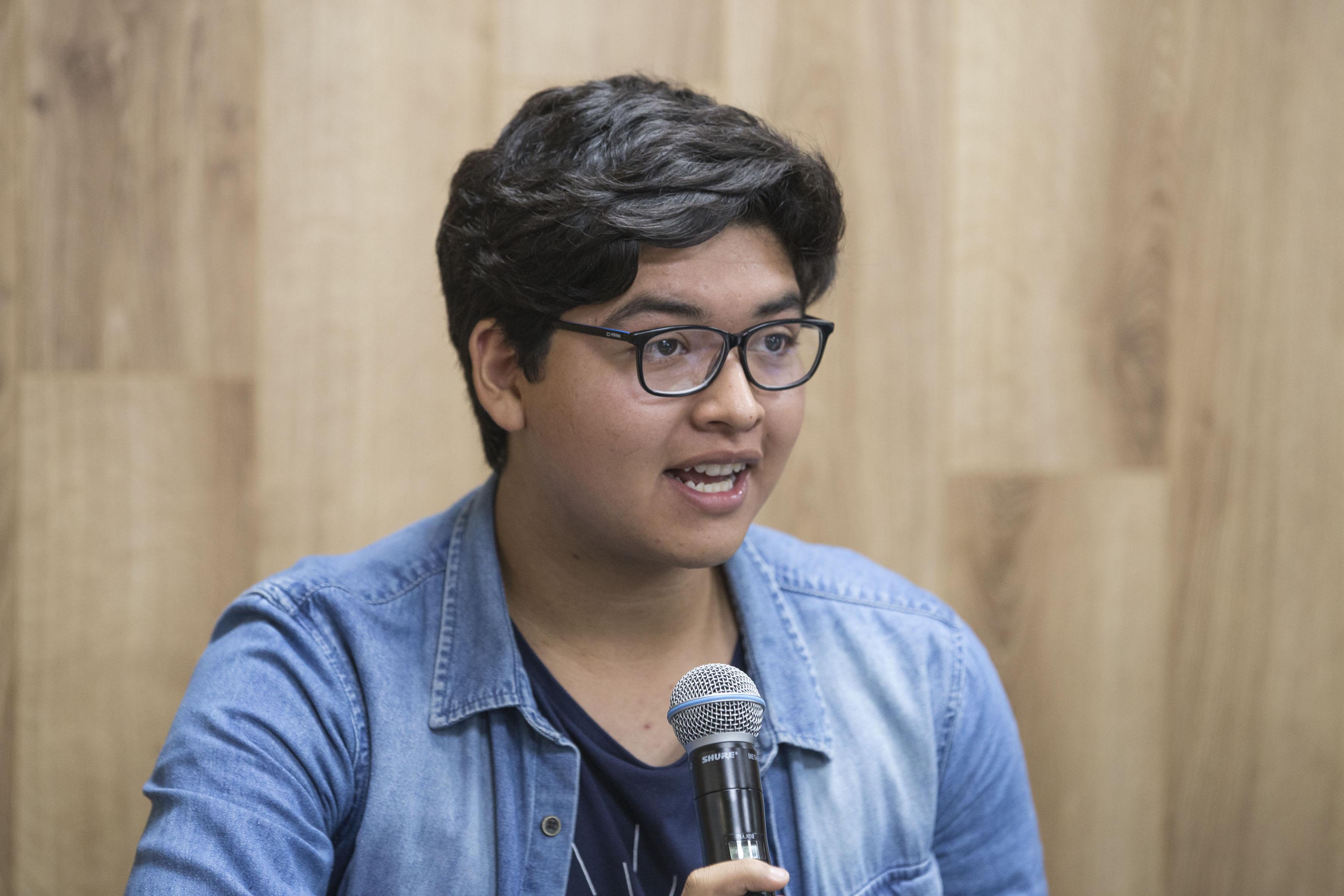 Luis Eduardo Barón Juárez, alumno de la Preparatoria 19, obtuvo el primer lugar de entre 16 mil 899 cartas dirigidas a la escritora Antonia Michaelis, autora del libro El cuentacuentos, haciendo uso de la palabra