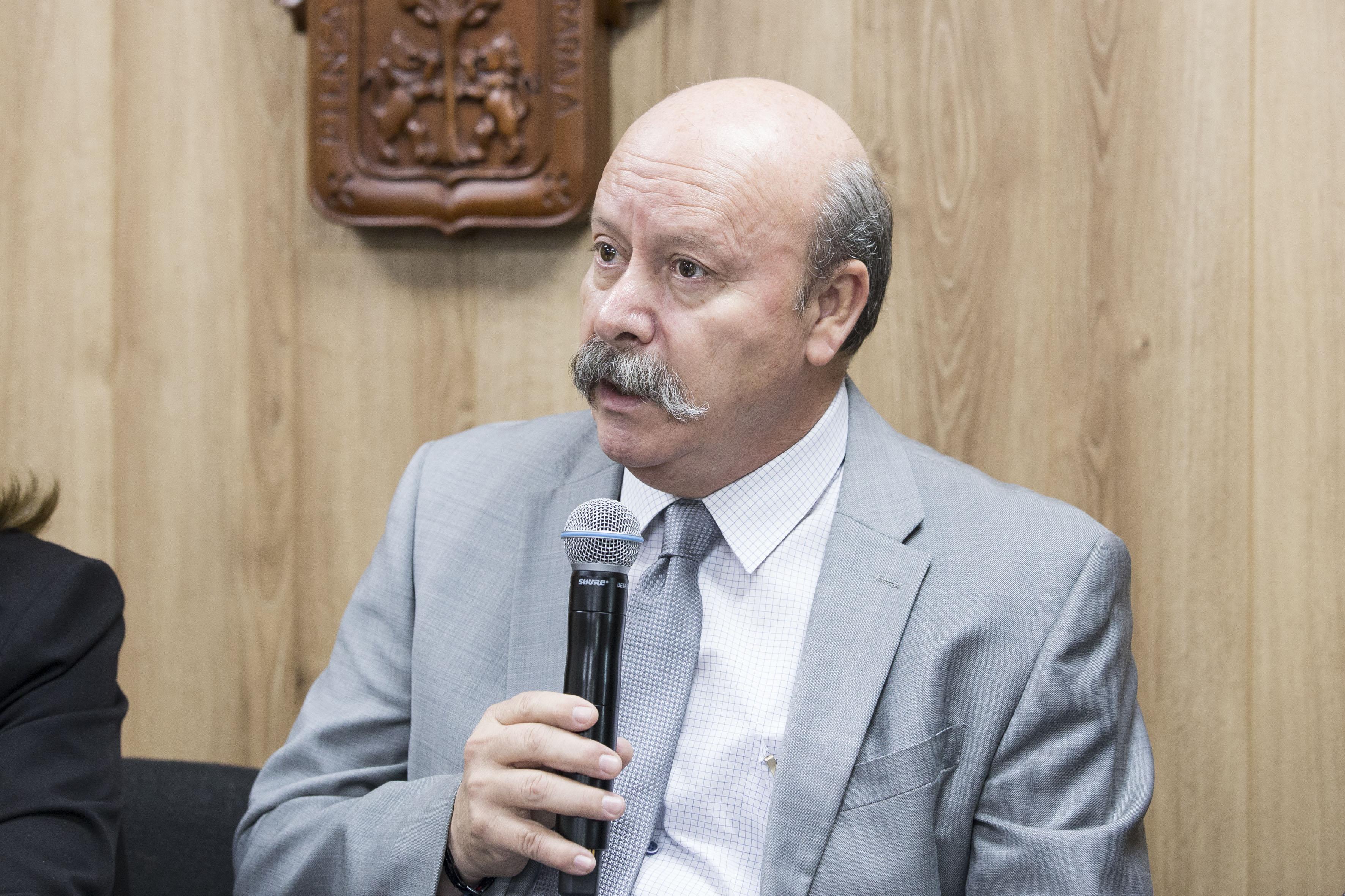 Mtro. Javier Espinoza de los Monteros Cárdenas, director del Sistema de Educación Media Superior (SEMS), de la Universidad de Guadalajara