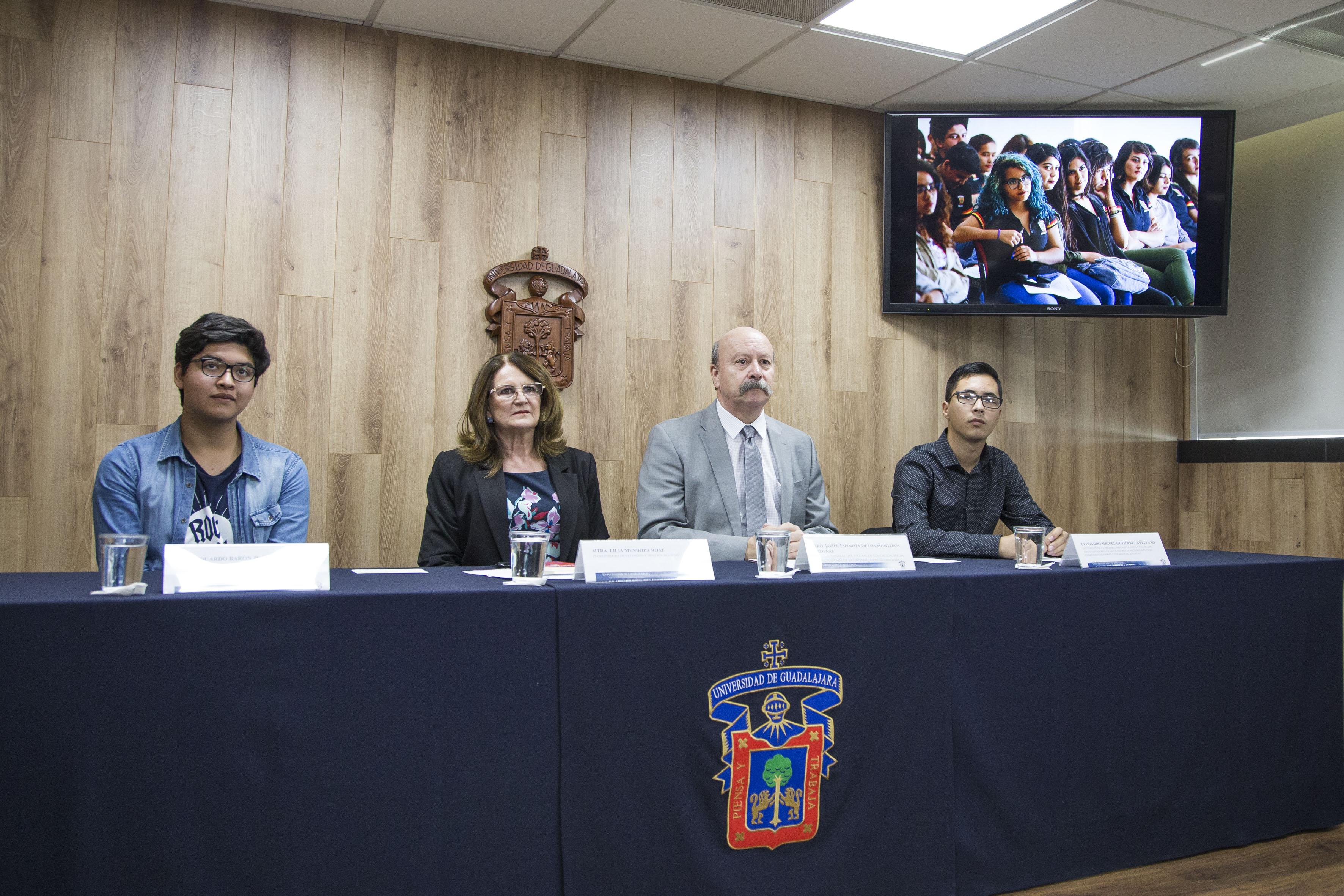Rueda de prensa para dar a conocer que creció participación de estudiantes en FIL Joven 2017