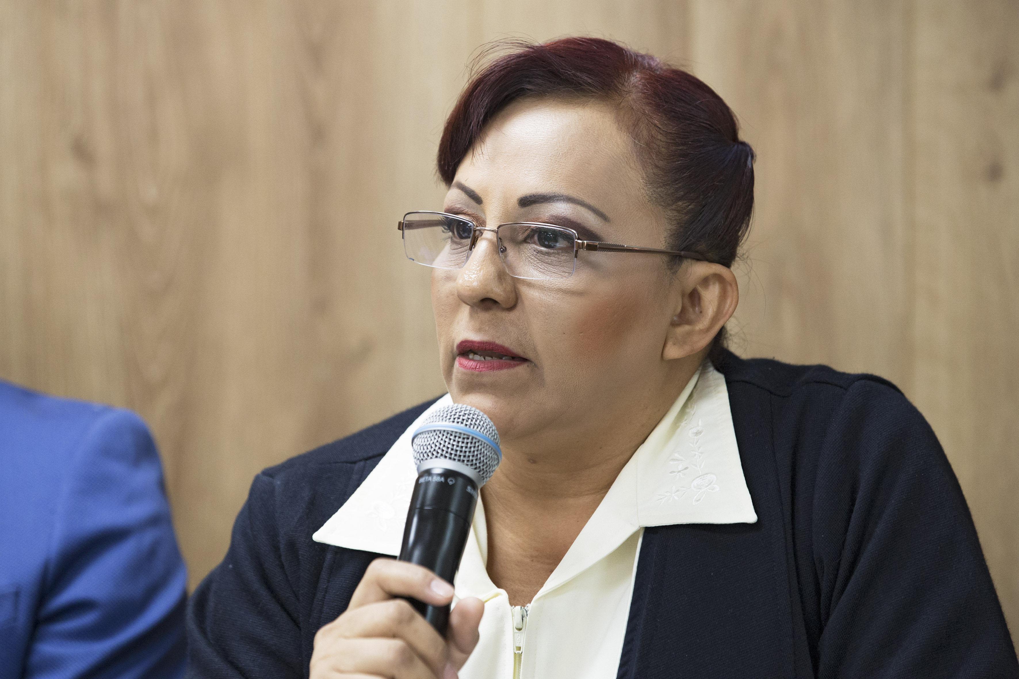 Mtra. Gema Araceli Angel Rodriguez anunciando el VII Congreso Internacional de Enfermería (CIENF) 2018