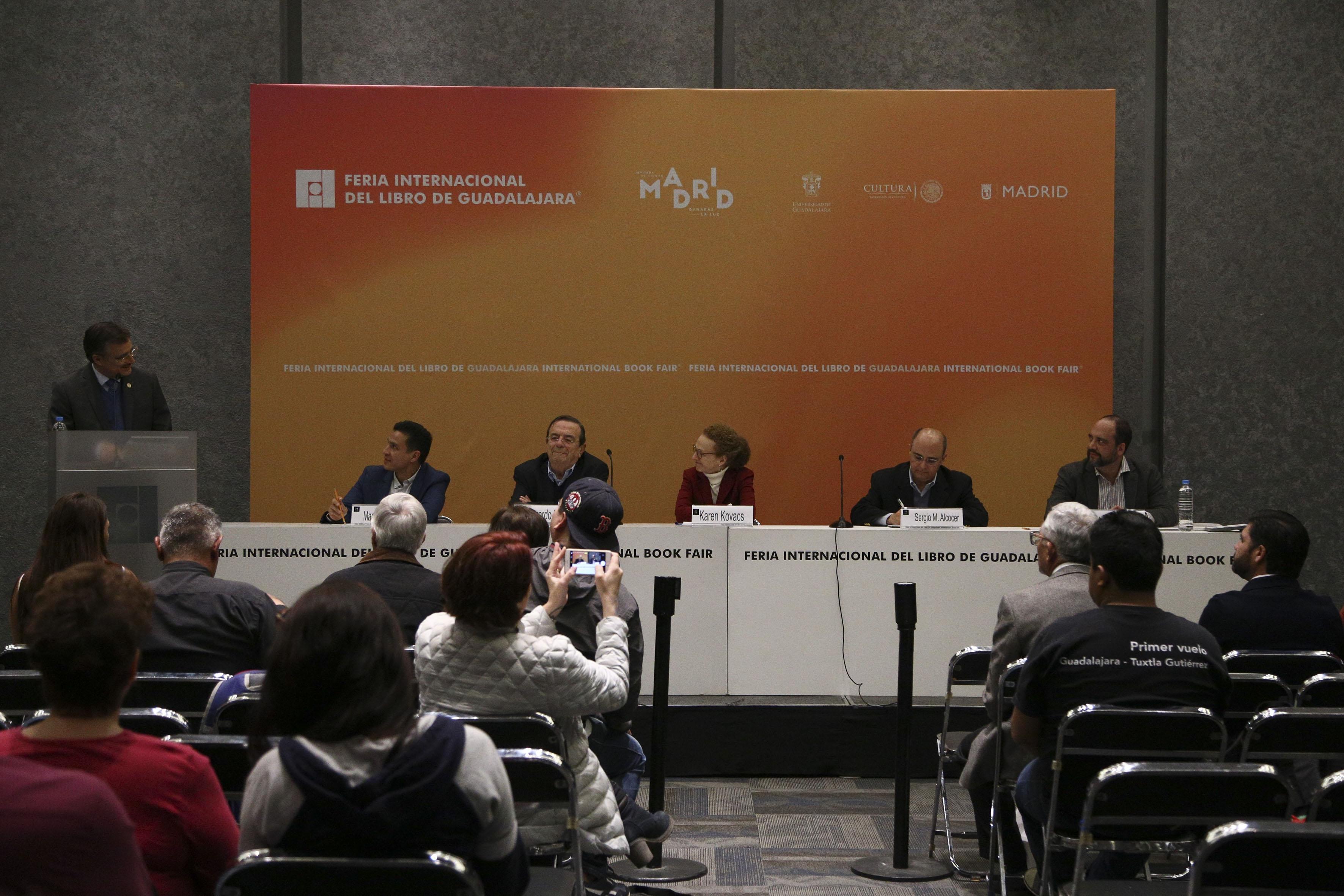 Presentación de la plataforma México Exponencial  en la Feria Internacional del Libro de Guadalajara (FIL 2017)