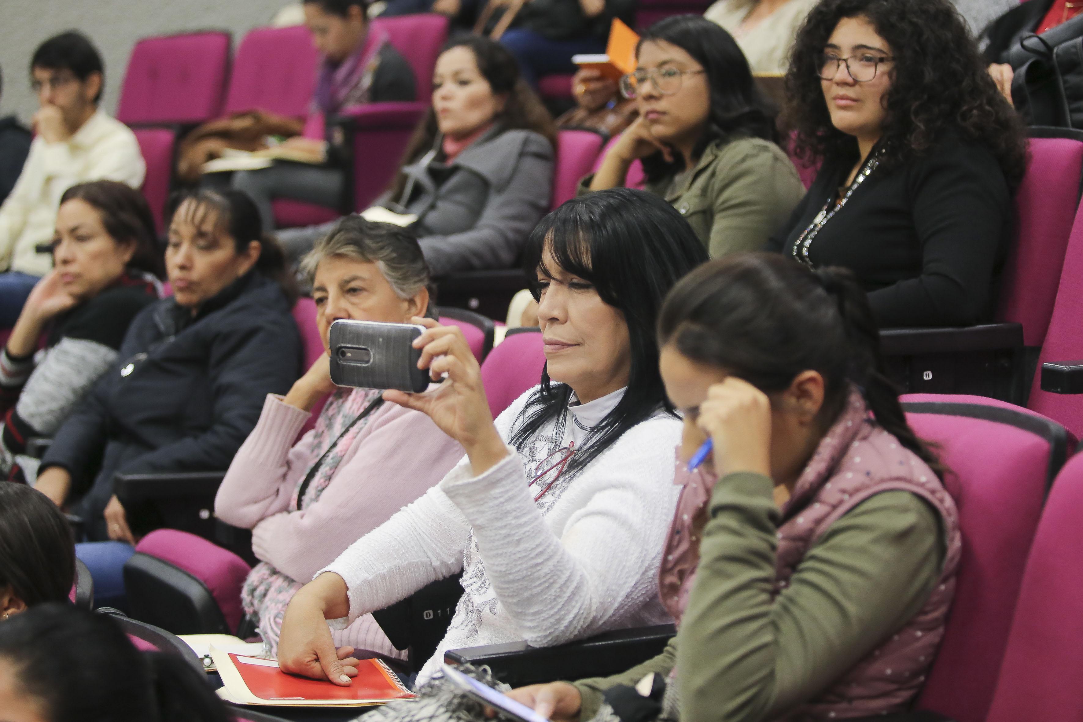 Publico asistente a  las Primeras Jornadas de Trabajo Social y Psicología en los Cuidados Paliativos