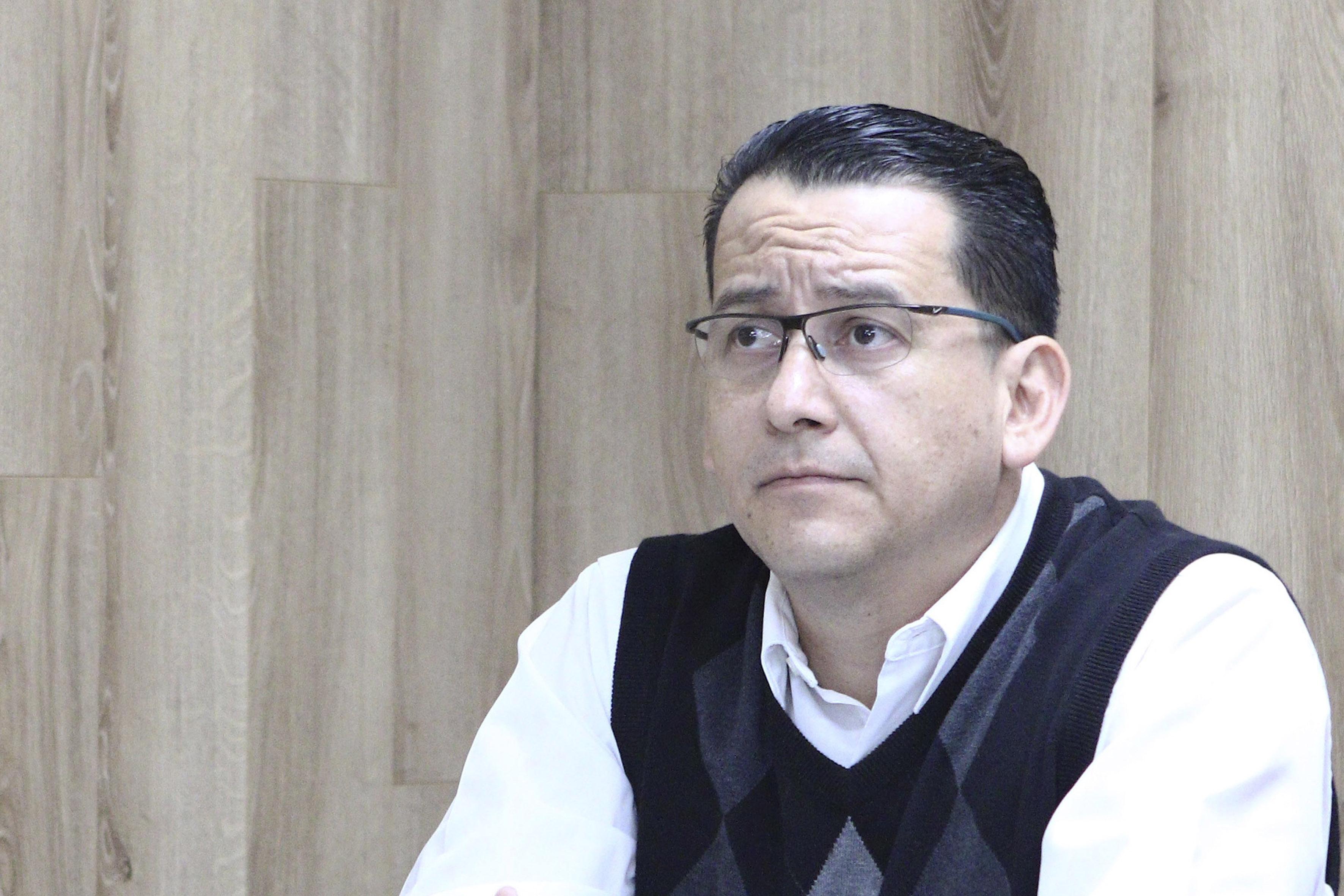 Doctor Enndy Hollyver Sánchez Uribe, haciendo uso de la palabra en rueda de prensa