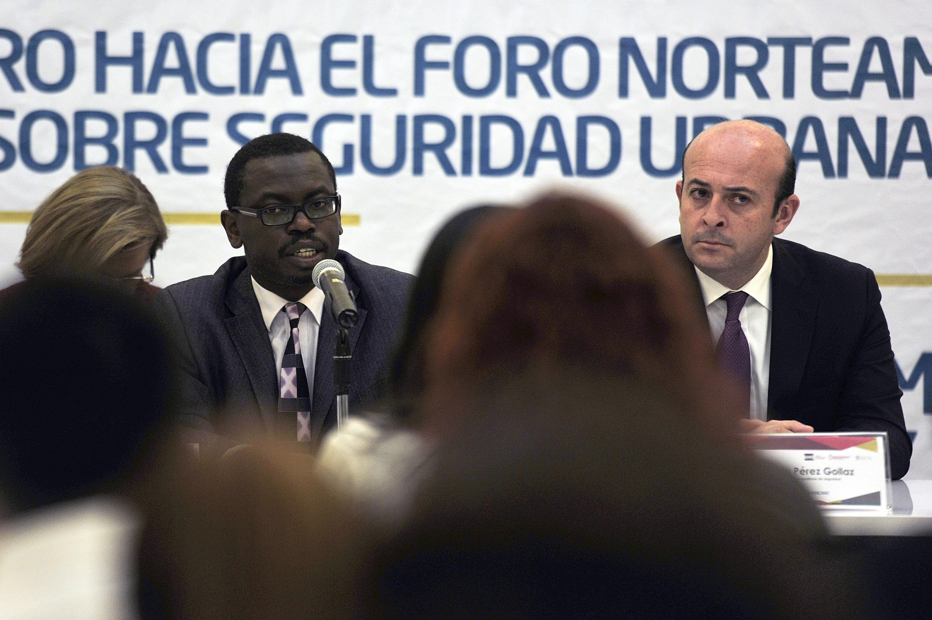 """maestro Juma Assiago, Coordinador del Programa """"Ciudades más seguras"""", haciendo uso de la palabra"""