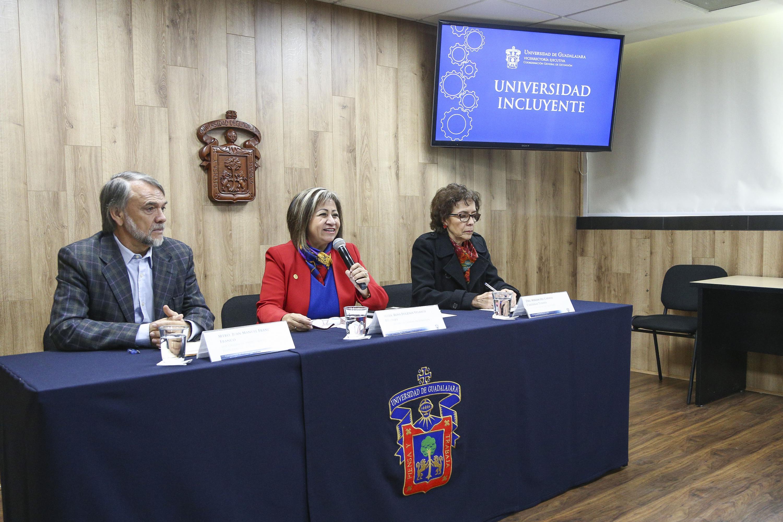 En rueda de prensa, representantes de la Coordinación General de Extensión presenta balance del Programa Universidad Incluyente.