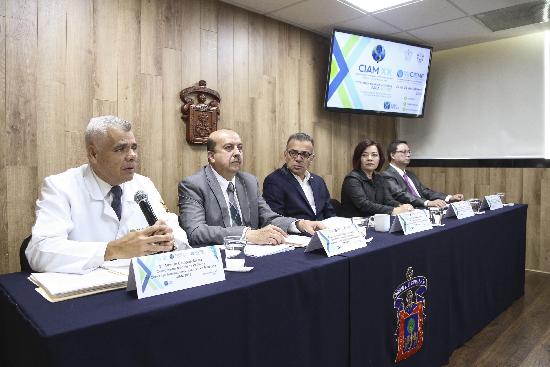Cinco participantes  del CIAM 2018 en la rueda de prensa