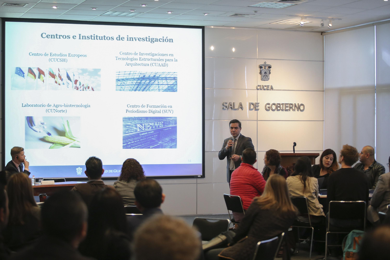 """Taller """"Empleabilidad y competitividad de los egresados"""" en la Sala de Gobierno del Centro Universitario de Ciencias Económico Administrativas (CUCEA)"""