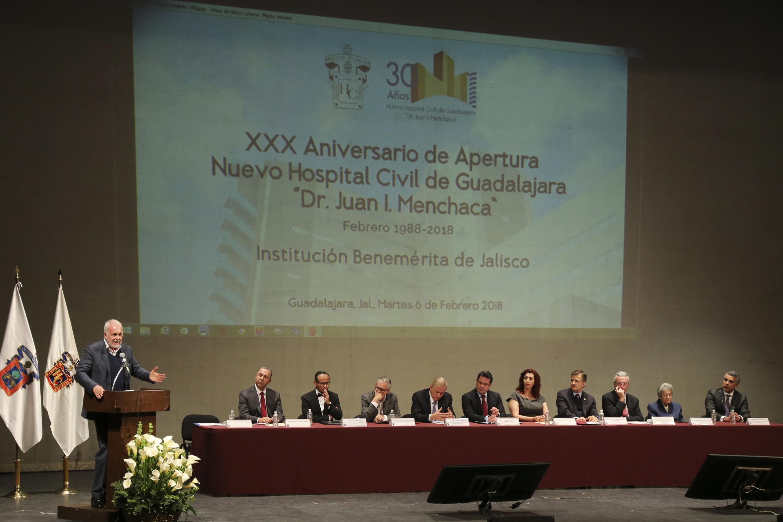 Raúl Padilla López hablando desde el podium