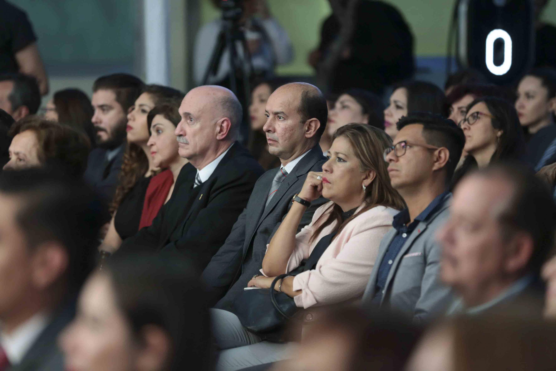 Público asistente de la comunidad universitaria, al informe de actividades del SUV.