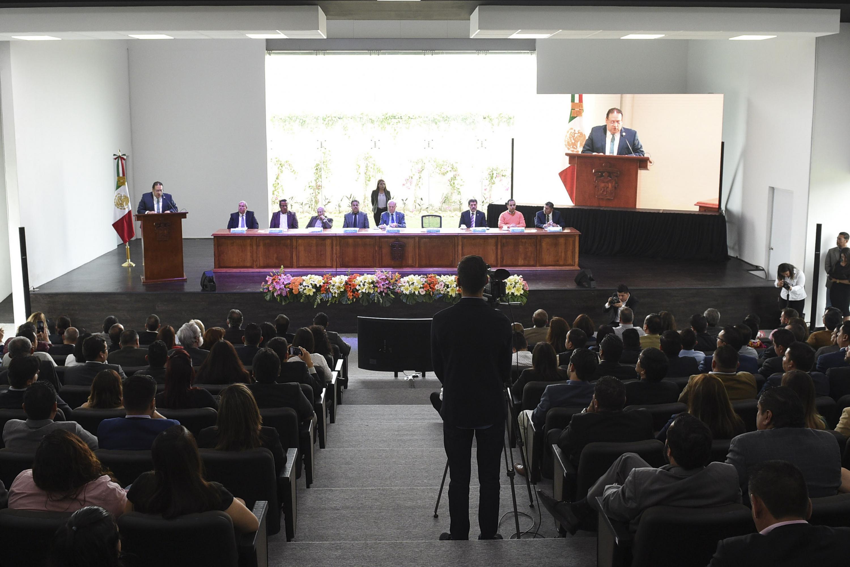 Maestro Gerardo Alberto Mejía Pérez, Rector del CUNorte, rindiendo Informe de Actividades 2017.