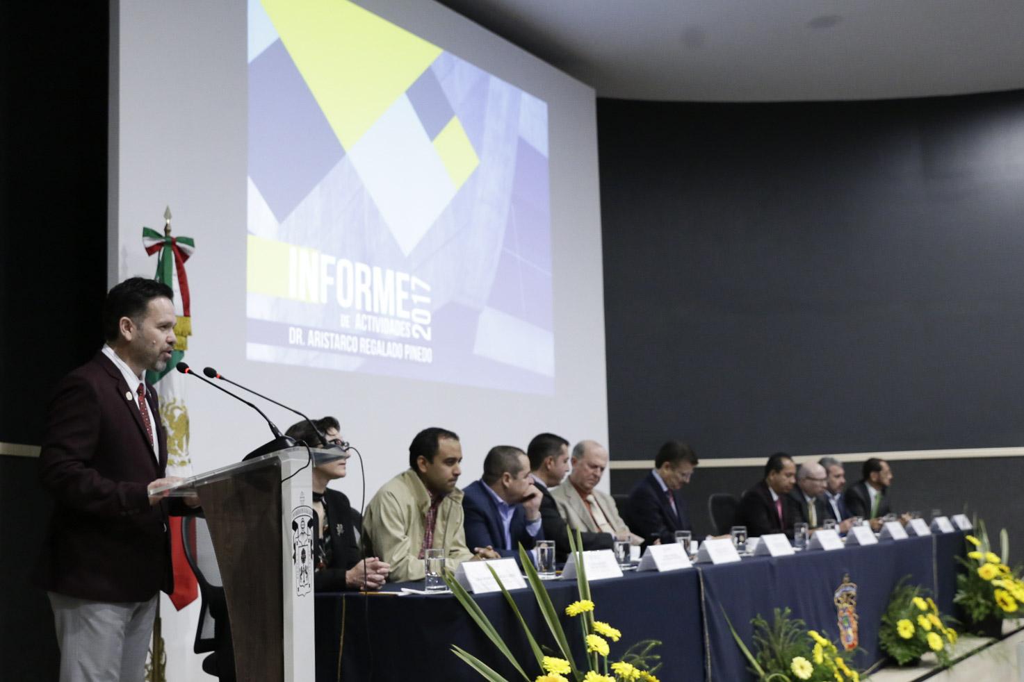 El evento se llevó a cabo en el auditorio de CULagos, acompañado de las máximas autoridades de la Universidad de Guadalajara