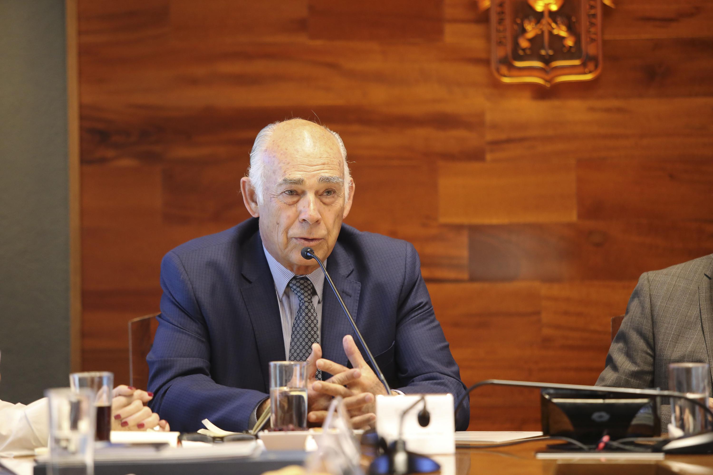 Presidente de FEJAL, ingeniero José Luis González Íñigo; haciendo uso de la palabra.