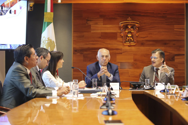 Reunión llevada a cabo en instalaciones de Rectoría General de la Universidad de Guadalajara para firma del convenio de colaboración académica con FEJAL.