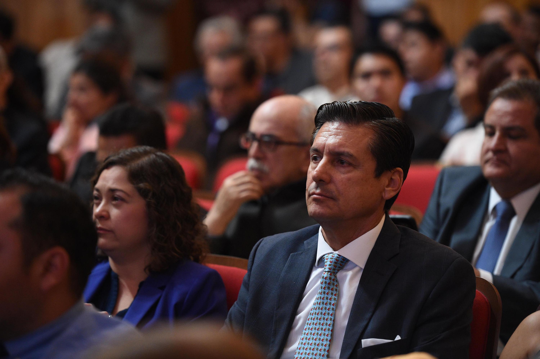 Miembro del Consejo General Universitario (CGU), atento a la Sesión ordinaria.