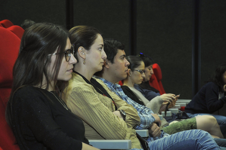 """Publico asistente a la Conferencia """"El papel de las emociones y las sensaciones para revertir el periodo ambiental"""", en el seminario """"Hacia una producción fílmica sustentable"""""""
