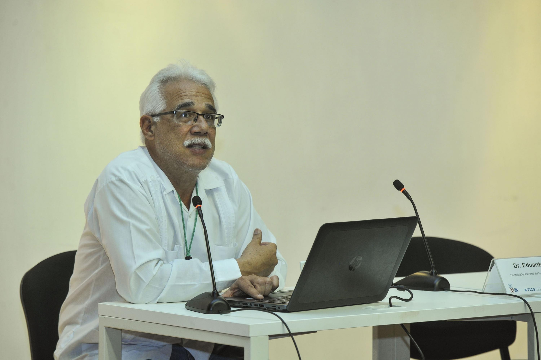 Doctor Eduardo Santana Castellón, Coordinador del Museo de Ciencias Ambientales, del Centro Cultural Universitario (CCU) de la Universidad de Guadalajara (UdeG), haciendo uso de la palabra