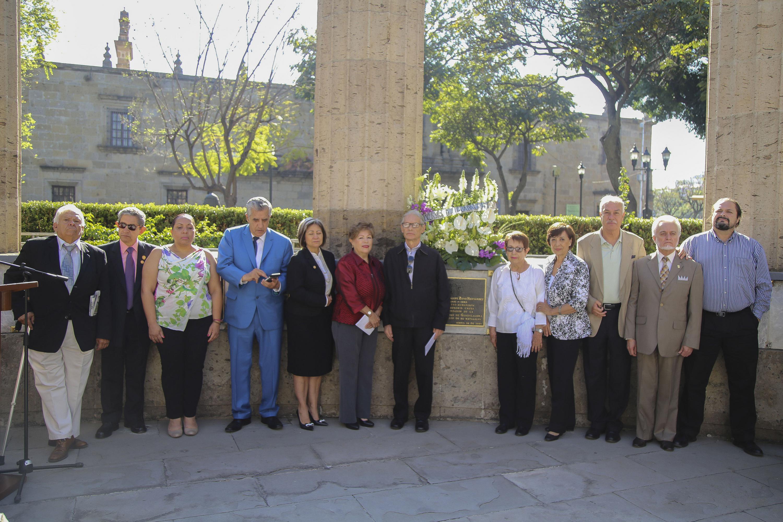 Los asistentes a la ceremonia se reunieron el viernes 16 de marzo en la rotonda de los jaliscienses ilustres