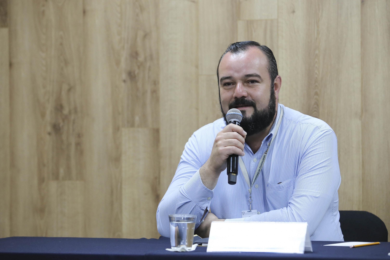 Maestro Gerardo González Cueva, responsable de las Brigadas contra Incendios del Centro Universitario de Ciencias Biológicas y Agropecuarias.