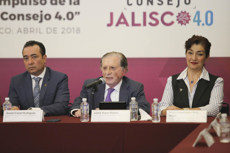 Maestro Jaime Reyes Robles, Secretario de Innovación, Ciencia y Tecnología del Estado de Jalisco, haciendo uso de la palabra.