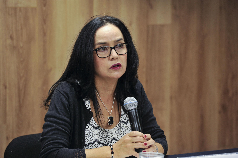 Doctora Miriam Guadalupe Becerra Cota, Jefa del Servicio de Oftalmología del Antiguo Hospital Civil -Fray Antonio Alcalde-, haciendo uso de la voz.