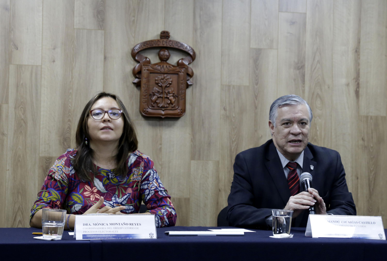 Doctor Armando Zacarías Castillo, Jefe del Departamento de Estudios Políticos del Centro Universitario de Ciencias Sociales y Humanidades (CUCSH), participando en rueda de prensa.