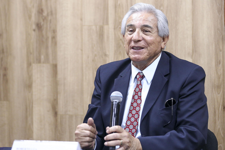 Roberto Lúa hablo sobre el foro Nacional de basquetbol