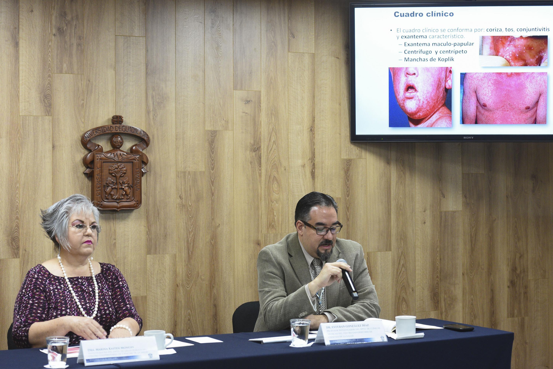 Conferencia de prensa, convocada por investigadores del CUCS, sobre el resurgimiento del sarampión y otras repercusiones del movimiento mundial antivacunas.