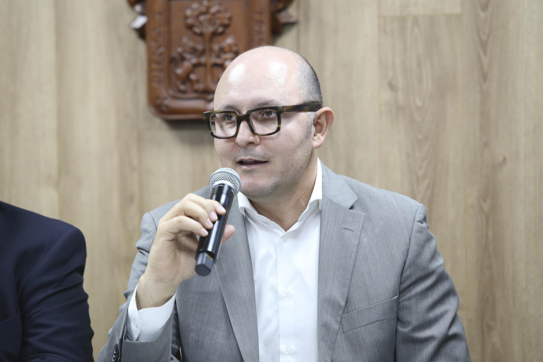 Director de la División de Estudios Jurídicos del CUCSH, doctor José de Jesús Becerra Ramírez