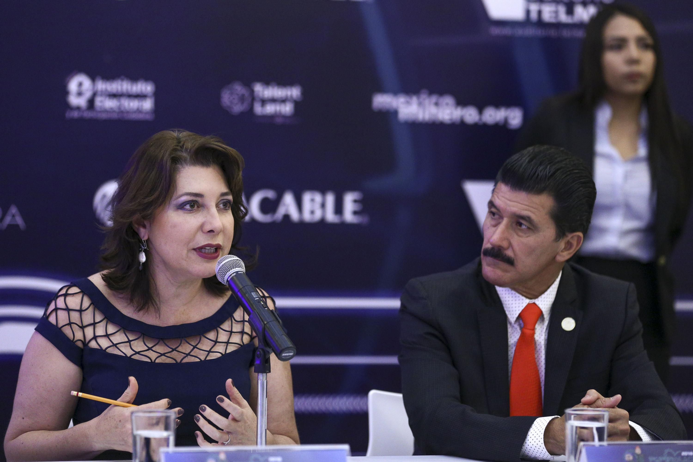 Vicerrectora Ejecutiva de la UdeG, doctora Carmen Enedina Rodríguez Armenta, haciendo uso de la palabra.
