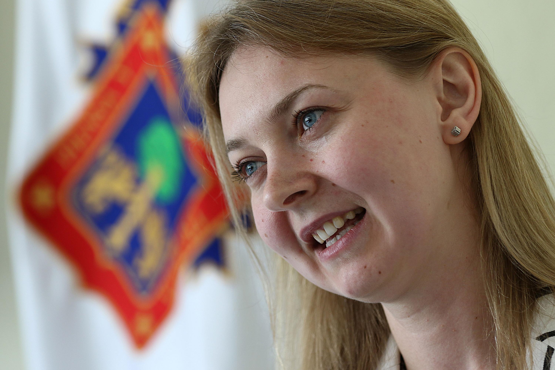 Inna Artemova, investigadora del Sistema de Universidad Virtual (UdeGVirtual) y profesora de ruso, participando en entrevista.