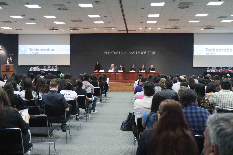 El auditorio de CUCEA fue el escenario de la ceremonia del Technovation Challenge