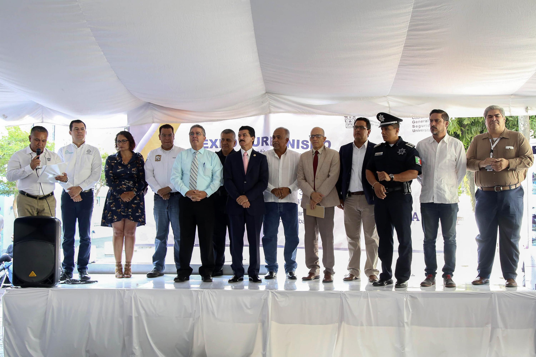 Expo Urbanismo fue presidido por el rector del CUAAD, Ernesto Flores Gallo