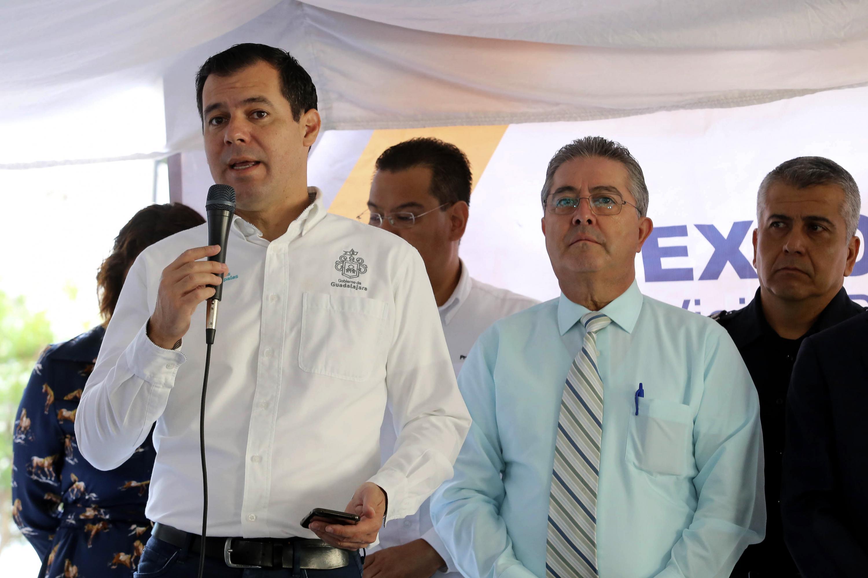 Diego Monraz hablando al micrófono a los asistentes a Expo Urbanismo 2018