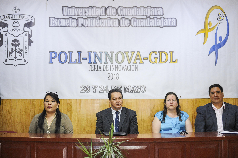 Autoridades de la  Escuela Politécnica de Guadalajara durante la inauguracion de la Feria de Innovacion 2018