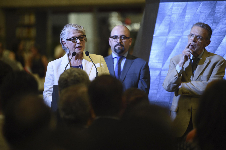 Myriam Vachez, secretaria de Cultura Jalisco, haciendo uso de la palabra en el podio.