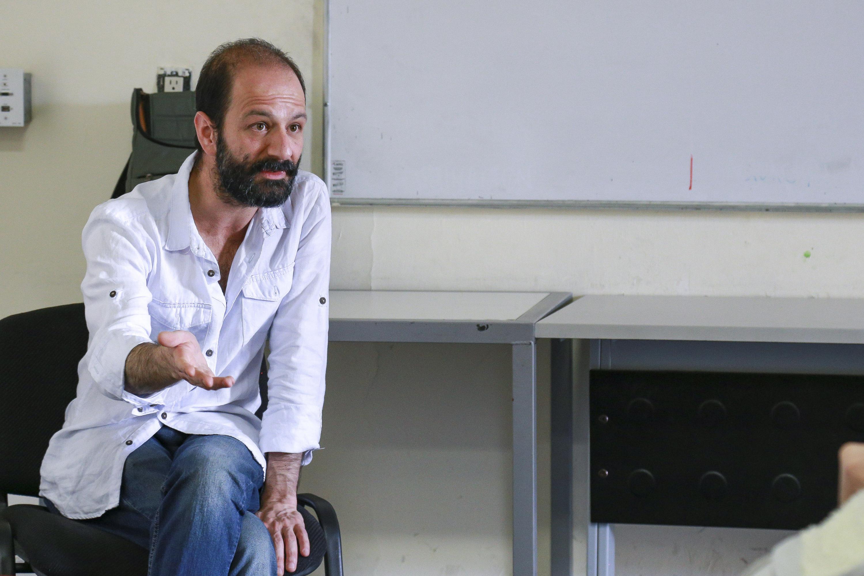 El dramaturgo Felipe Botero fue entrevistado en las instalaciones de CUAAD