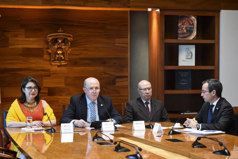 Rueda de prensa para dar a conocer los pormenores de la Reunión de Verano de la Comisión de Iniciativas Internacionales 2018, próxima a efectuarse y cuya sede será la Universidad de Guadalajara.