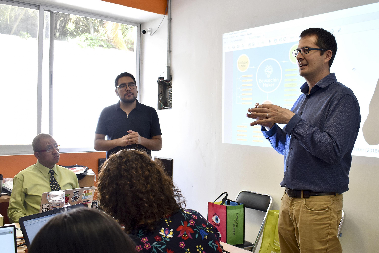 Doctor Jorge Carlos Sanabria Zepeda, responsable del Programa de Innovación de UDGVirtual, haciendo uso de la palabra
