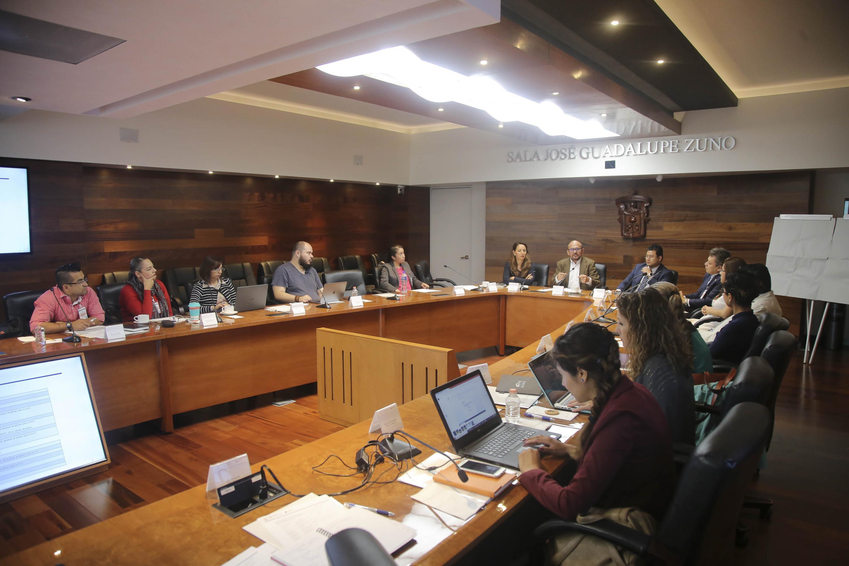 Especialistas en género de seis universidades que integran la Región Centro Occidente (RCO), de la Asociación Nacional de Universidades e Instituciones de Educación Superior (ANUIES), asistentes al taller.