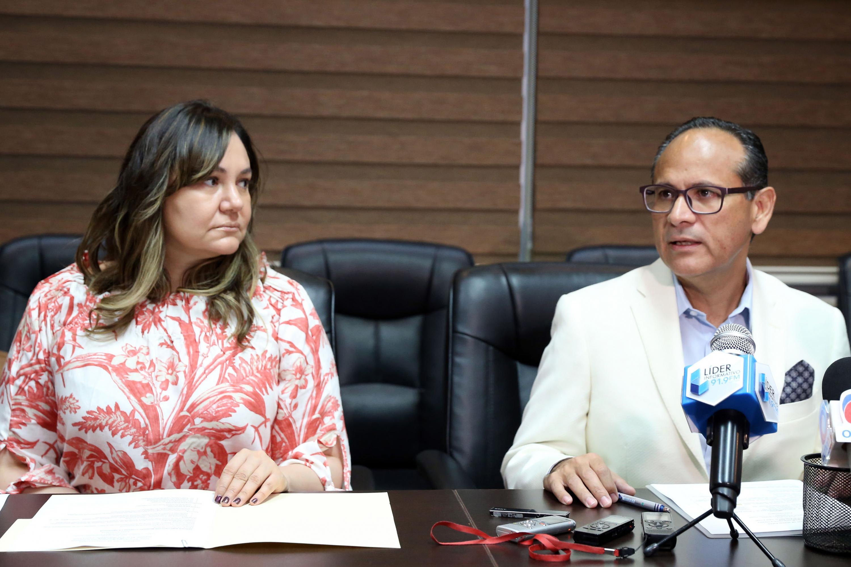 el Director General del OPD Hospital Civil de Guadalajara habló de los tratamientos para Hepatitis C