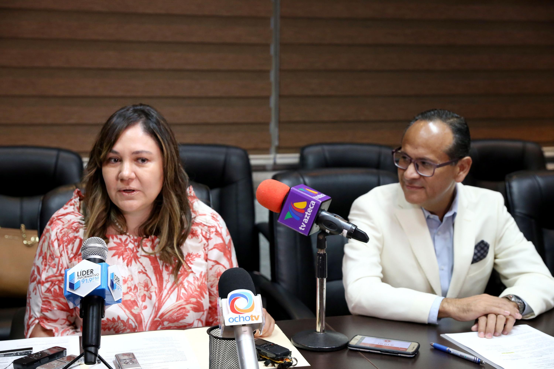 La doctora Graciela Elvia Castro Narro es la Presidenta de la Asociación Mexicana de Hepatología y hablo al microfono